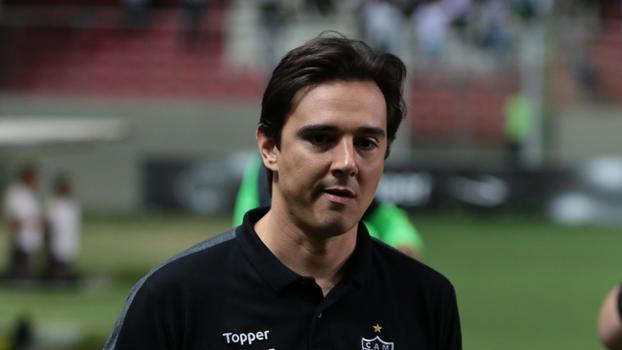 Renato Rodrigues  0423d5582a9eb