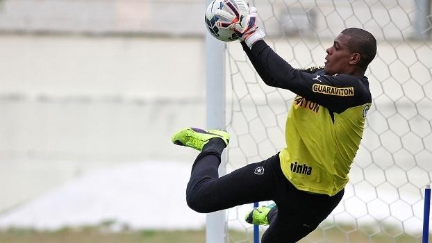 Diante do Flu, Saulo pode ter 1ª aparição como titular no Botafogo