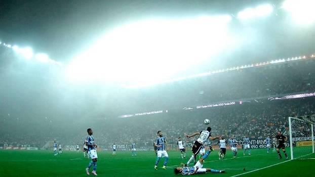 Corinthians x Grêmio foi marcado por forte neblina na capital paulista