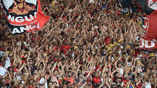Flamengo lotou o Maracanã, mas saiu sem vencer... de novo!