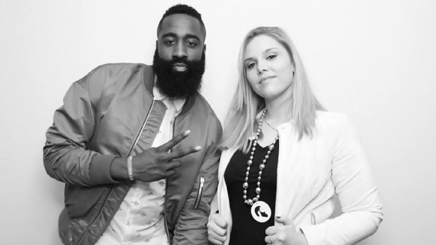 Cassy Athena e James Harden, ala-armador do Houston Rockets
