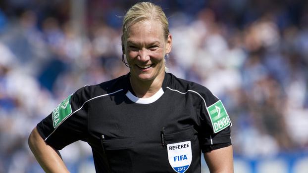 Campeonato alemão tem primeira partida apitada por uma mulher na história