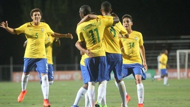 Brasil entrou em campo já classificado 91e5d6186639d