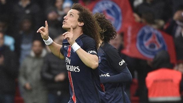 David Luiz comemorando seu gol na vitória do PSG sobre o Nice no Francês 60f83a5572