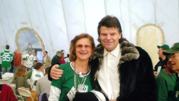 Connie com Mark Gastineau