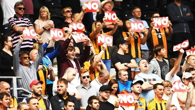 Hull City Torcida Protesto Assem Allam Out Leicester Campeonato Ingles 13/08/2016
