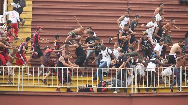 babd8ce0d8 Vascaíno vai a júri popular por selvageria em Joinville - ESPN