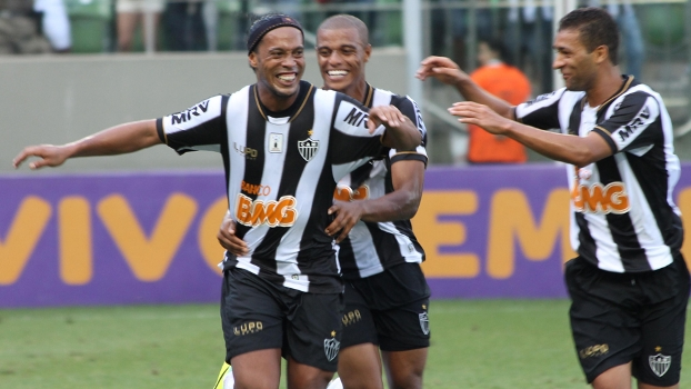 85abeeaf29 Retorno em  grande estilo   Ronaldinho Gaúcho marcou para o Atlético-MG  contra