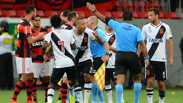Futebol brasileiro vive a era do 'não apanhei, mas simulei'