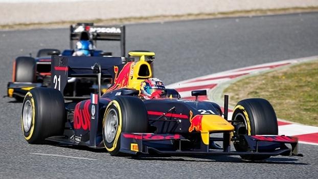 Atual campeão da GP2, Pierre Gasly faz testes na Catalunha