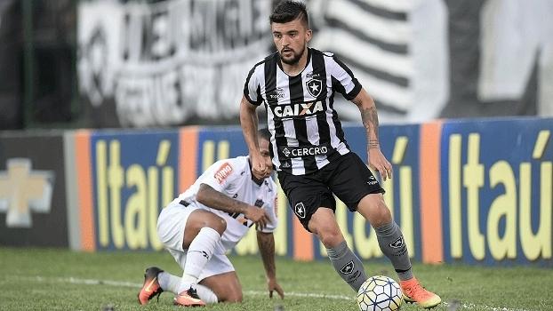Victor Luis deverá retornar ao Palmeiras em 2018