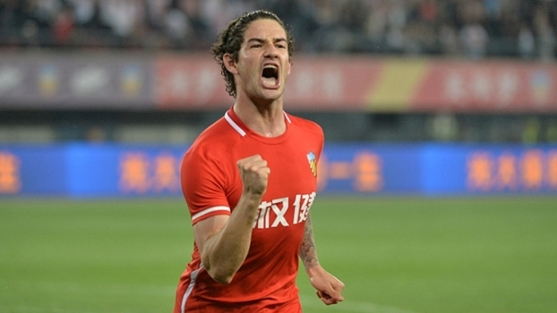 Pato fez dois gols na vitória do Tianjin Quanjian sobre o Jiangsu Suning