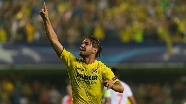 Com proposta da China, Pato não é relacionado para jogo do Villarreal