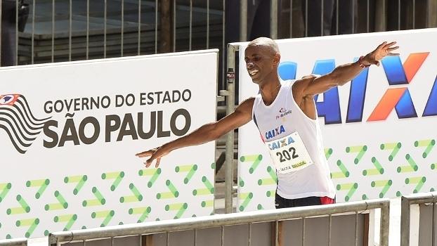 Giovani dos Santos foi o melhor brasileiro na Maratona