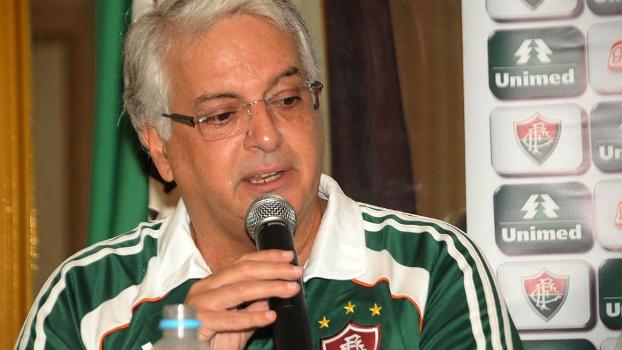 Ex-patrocinador  mecenas  agora quer a presidência  ceb7a8ccc7bad