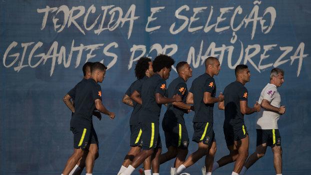 56fba22dce Semana da seleção brasileira tem ajustes necessários e três pontos ...