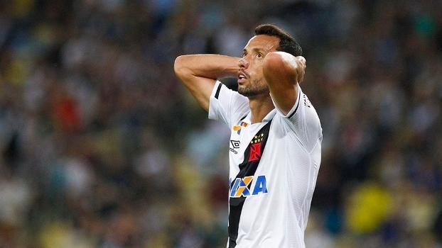 Nenê lamenta eliminação do Vasco na semifinal do Campeonato Carioca