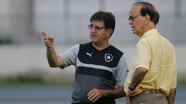 Ainda com René Simões, Antonio Lopes começou o ano no Botafogo e poderá voltar ao Vasco como técnico