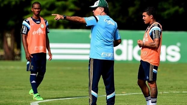 Marcelo Oliveira já alertou que pressão vai aumentar após time ser reforçado