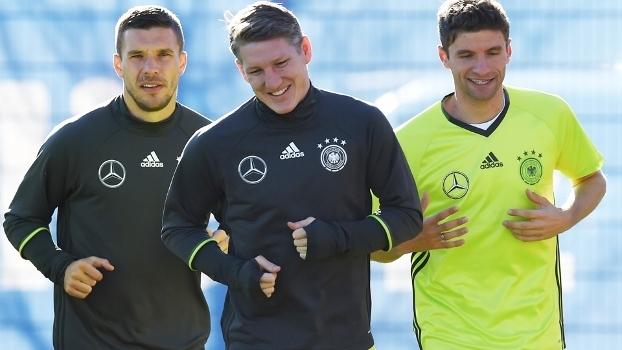Alemanha surpreende e chama Podolski e Schweinsteiger em pré-lista ... 9b9269257e4c2
