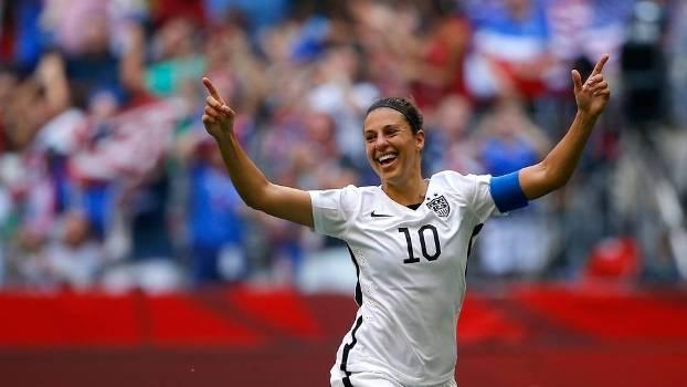 3d00c8dd05411 Carli Lloyd foi o destaque da decisão com três gols
