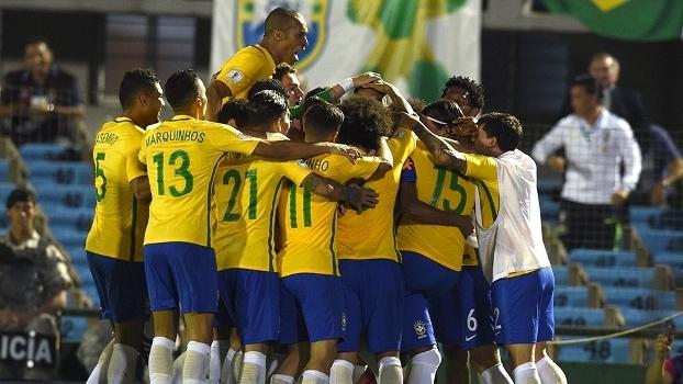 Basta vencer, e Tite leva Brasil ao topo do ranking em 'casa'
