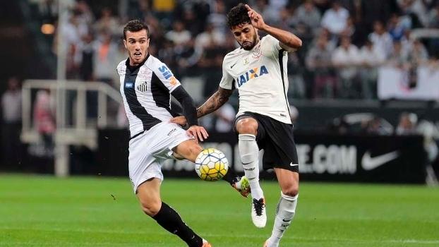 Zagueiro volta a treinar no campo e deve reforçar o Corinthians no Brasileirão