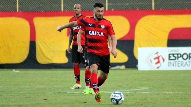 Vitória é o terceiro time brasileiro na carreira do meia Jesús Dátolo 527fbed1605c5