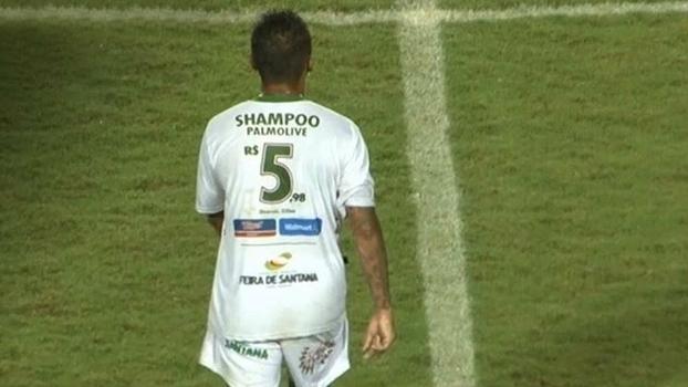 Anúncio de shampoo feito pelo Fluminense de Feira durante partida 1e0206a5b5a7a