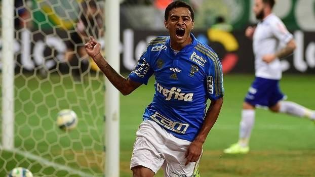 Cleiton Xavier comemora gol do Palmeiras sobre o Cruzeiro pela Copa do Brasil 2015