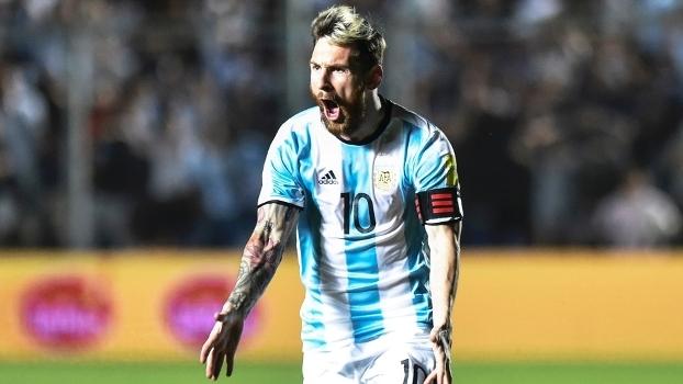 Lionel Messi é o camisa 10 e capitão da seleção da Argentina 028a0a7b496b1