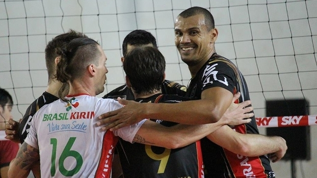 Brasil Kirin abriu a Superliga com vitória para cima do Juiz de Fora