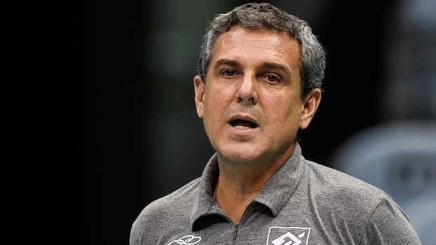 Zé Roberto é treinador do Hinode Barueri e da seleção brasileira feminina