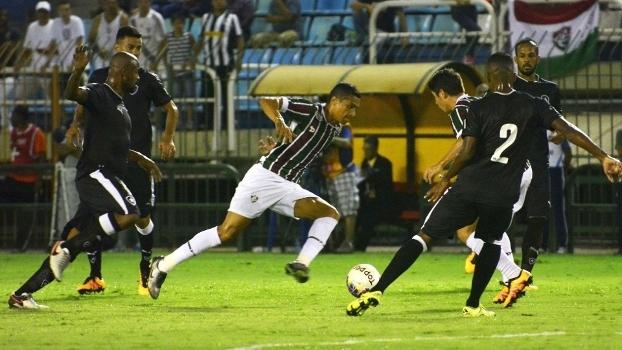 O Botafogo dominou o meio-campo e levou a melhor sobre o Flu no clássico