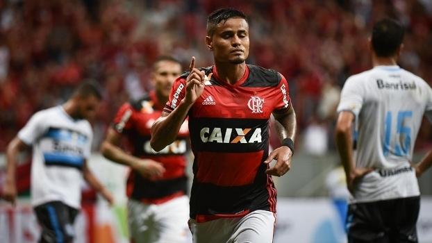Flamengo tenta a vaga na próxima fase