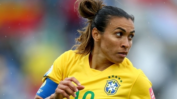 8ec71060c0 Marta supera Pelé e vira a maior artilheira da história da seleção ...