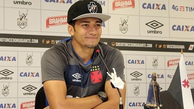 Jean participa de entrevista coletiva no Vasco