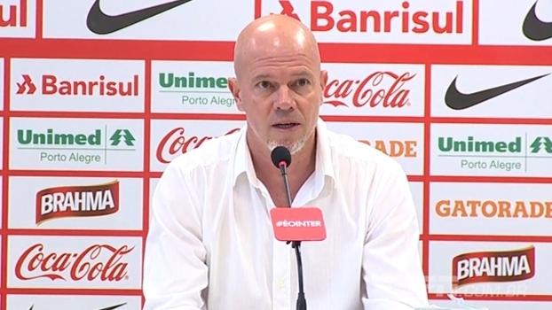 Antônio Carlos Zago foi apresentado como técnico do Internacional