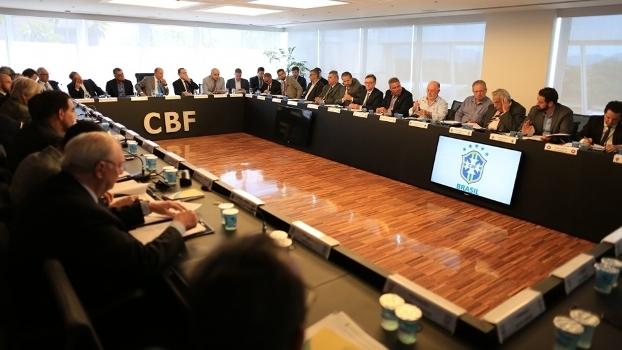 Clubes tentam chega a consenso sobre venda de direitos internacionais de  transmissão. Foto de arquivo d9e8cf6401939