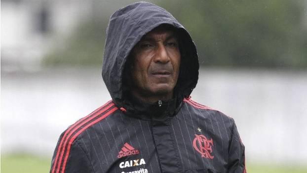 O técnico Cristóvão Borges tem o seu cargo ameaçado no Flamengo