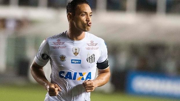 Ricardo Oliveira estampa patrocínio máster da Caixa no uniforme do Santos