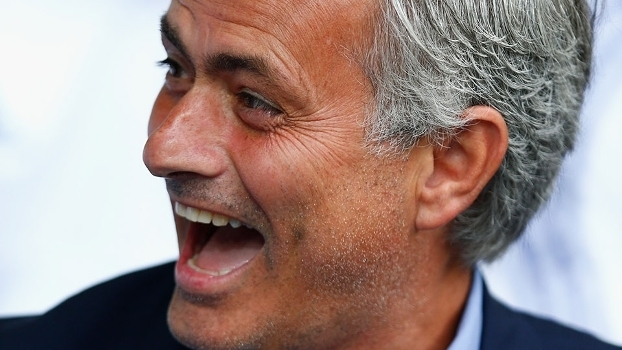 Brincadeira correu o mundo  convite do Íbis a Mourinho repercute na Europa   a50cf1c802a88