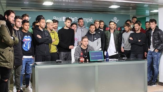 Jogadores do Betis dão apoio a ucraniano que foi insultado no Rayo Vallecano