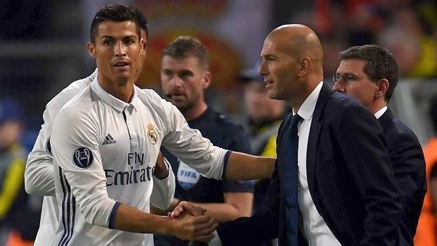 Ronaldo afasta 'crise' e comemora gol com Zidane