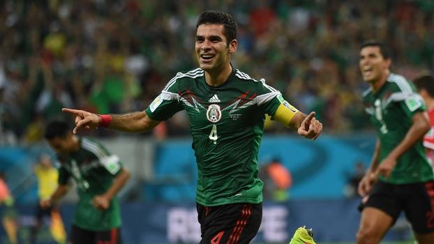 Rafa Marquez abriu o placar o México