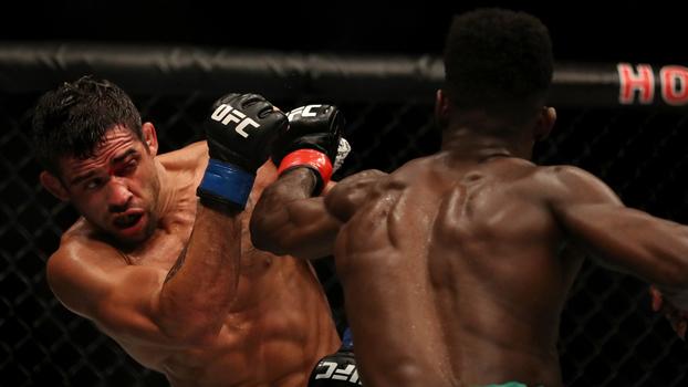 Barão acabou superado por Sterling no UFC 214
