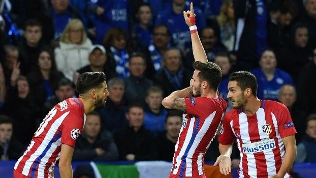 Jogadores do Atlético de Madri comemoram gol contra o Leicester