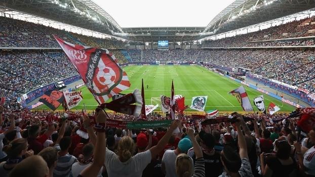 Torcida do RB Leipzig tem marcado presença na Red Bull Arena