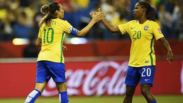 Marta e Formiga garantiram os três pontos para a seleção brasileira