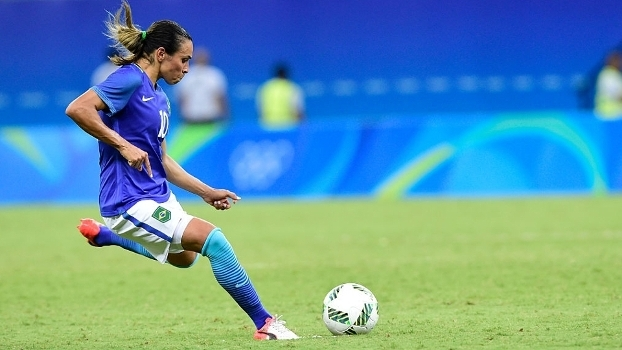 Lágrimas, conquistas e tropeços: mulheres brasileiras no futebol na Rio 2016